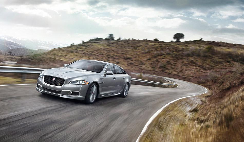 2014 Jaguar XJR Front Angle