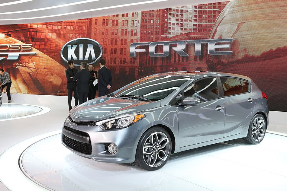 2014 kia forte 5 door hd pictures. Black Bedroom Furniture Sets. Home Design Ideas