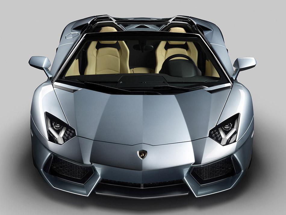 2014 Lamborghini Aventador LP700-4 Roadster Front