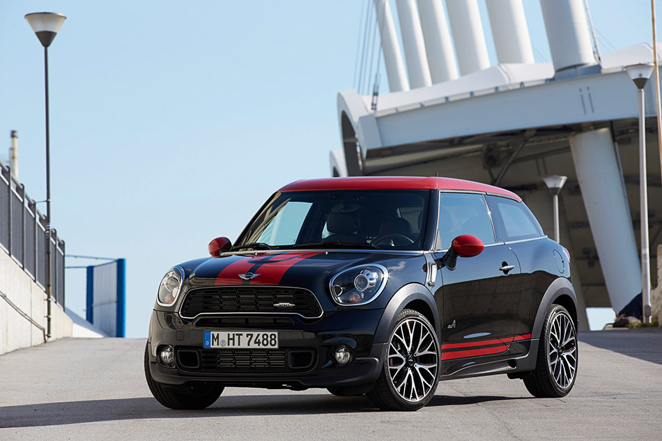 2014 MINI Paceman John Cooper Works Front Angle