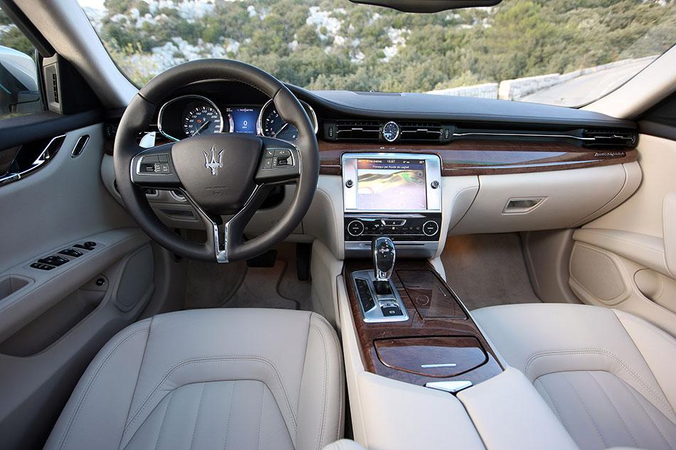 2014 Maserati Quattroporte Interior