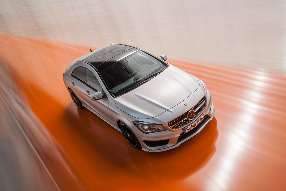 2014 Mercedes-Benz CLA-Class Front Angle