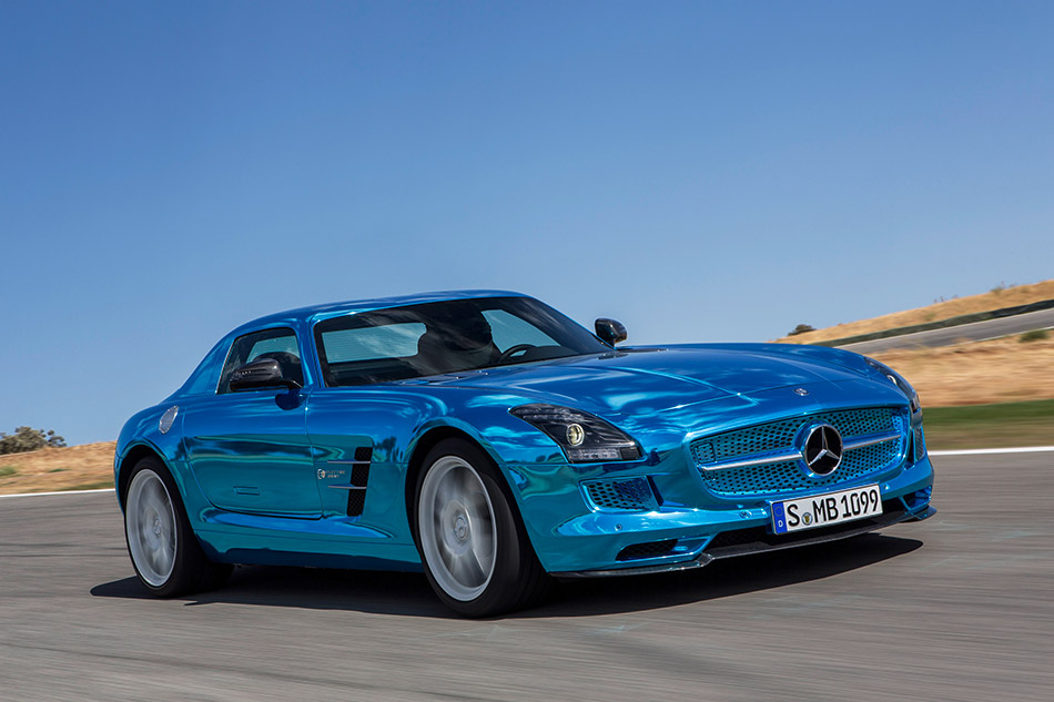 2014 Mercedes-Benz SLS AMG Coupe Electric Drive Front Angle