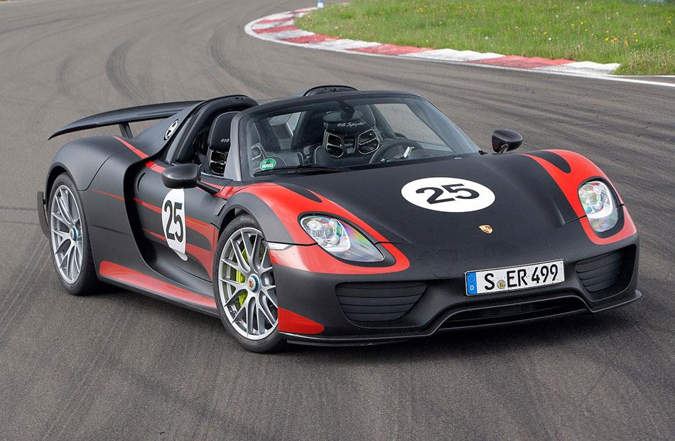 2014 Porsche 918 Spyder Front Angle