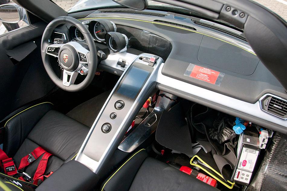 2014 Porsche 918 Spyder Interior