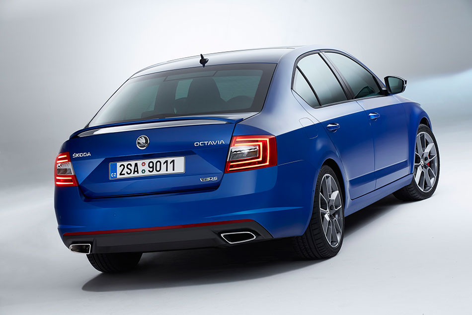 2014 Skoda Octavia RS Rear Angle