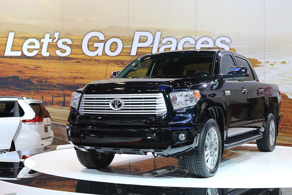 2014 Toyota Tundra Front Angle