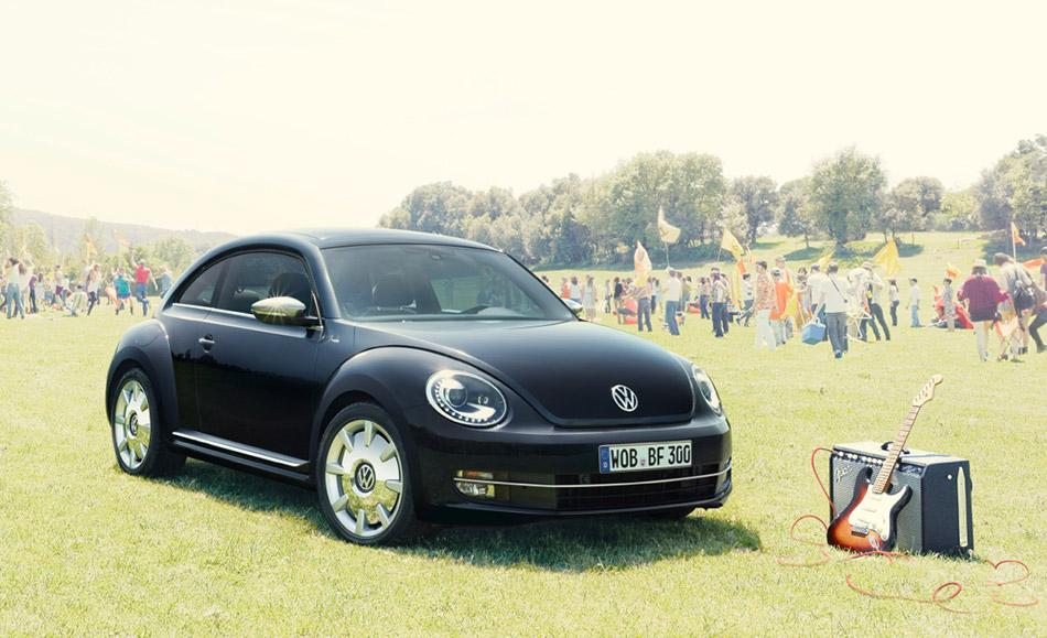 2014 Volkswagen Beetle Fender Edition Front Angle