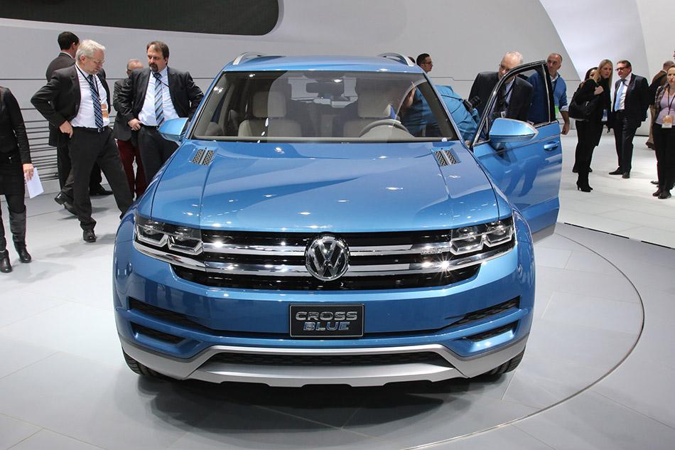 2014 Volkswagen CrossBlue Concept Front
