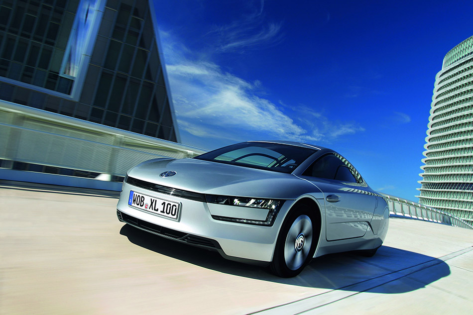2014 Volkswagen XL1 Front Angle