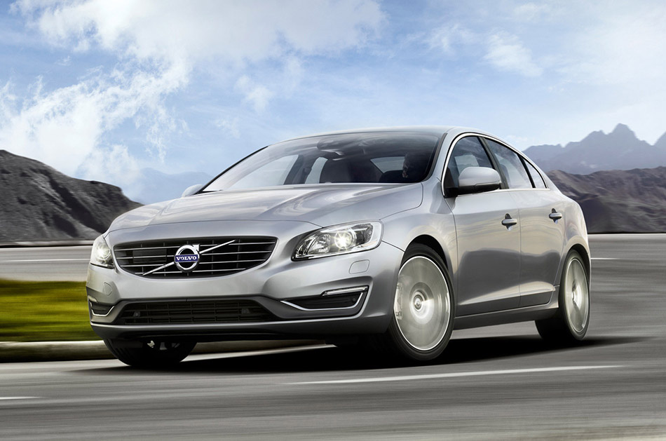 2014 Volvo S60 Front Angle