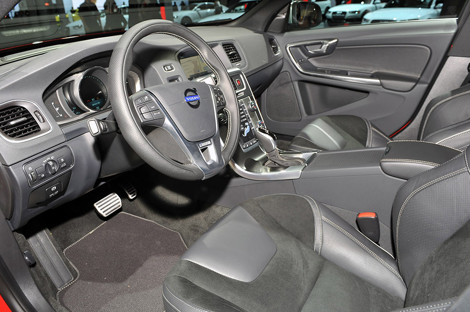 2014 Volvo S60 R-Design Front Angle Interior