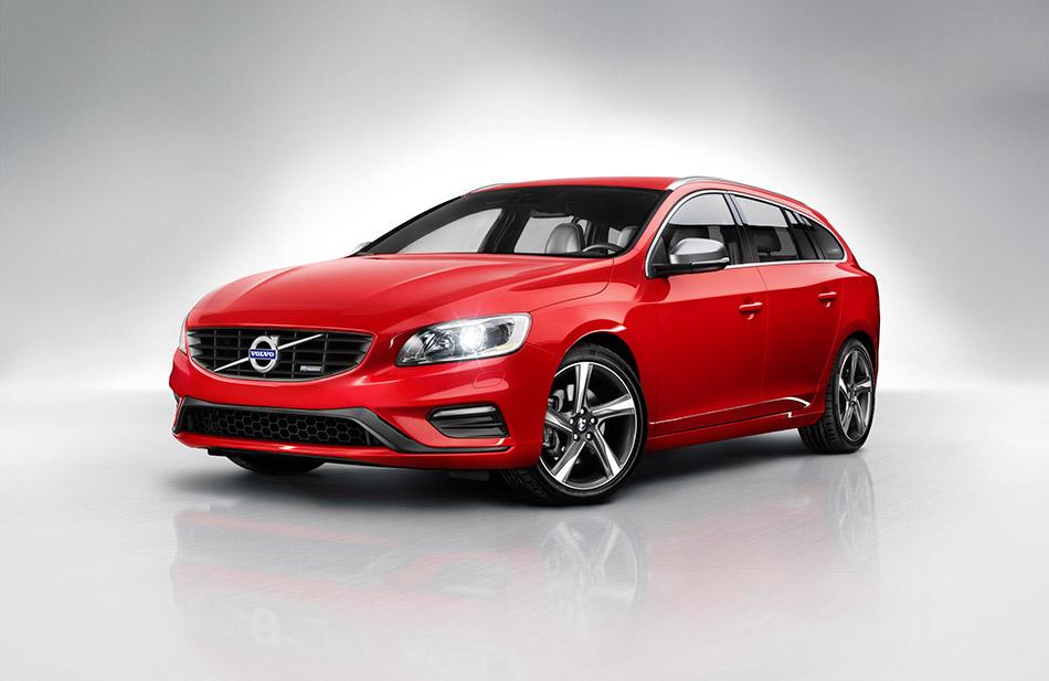 2014 Volvo V60 R-Design Front Angle