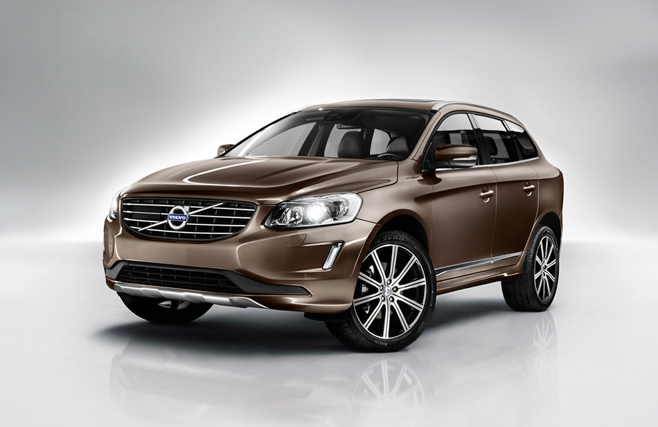 2014 Volvo XC60 Front Angle
