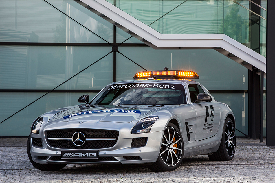2013 Mercedes-Benz SLS AMG GT F1 Safety Car Front Angle