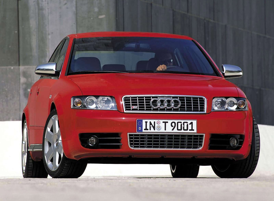 2002 Audi S4 Front Angle