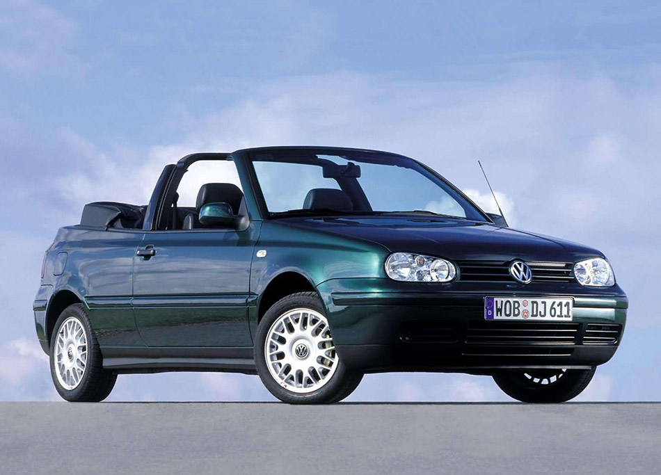 2002 Volkswagen Golf Cabriolet Last Edition Front Angle