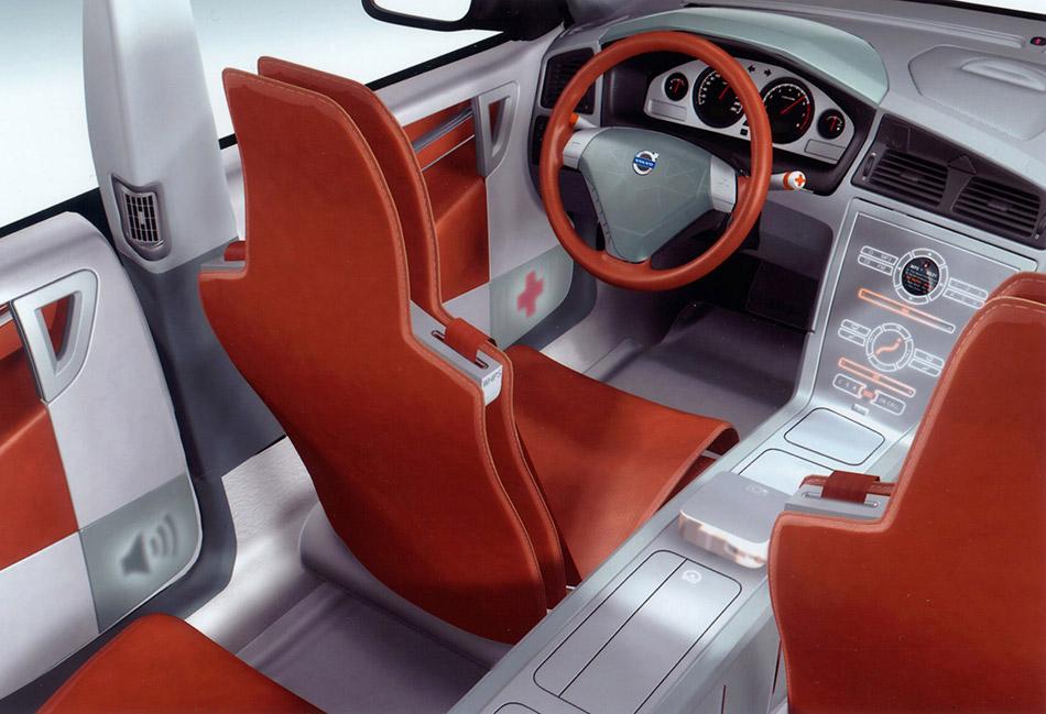 2002 Volvo ACC Interior