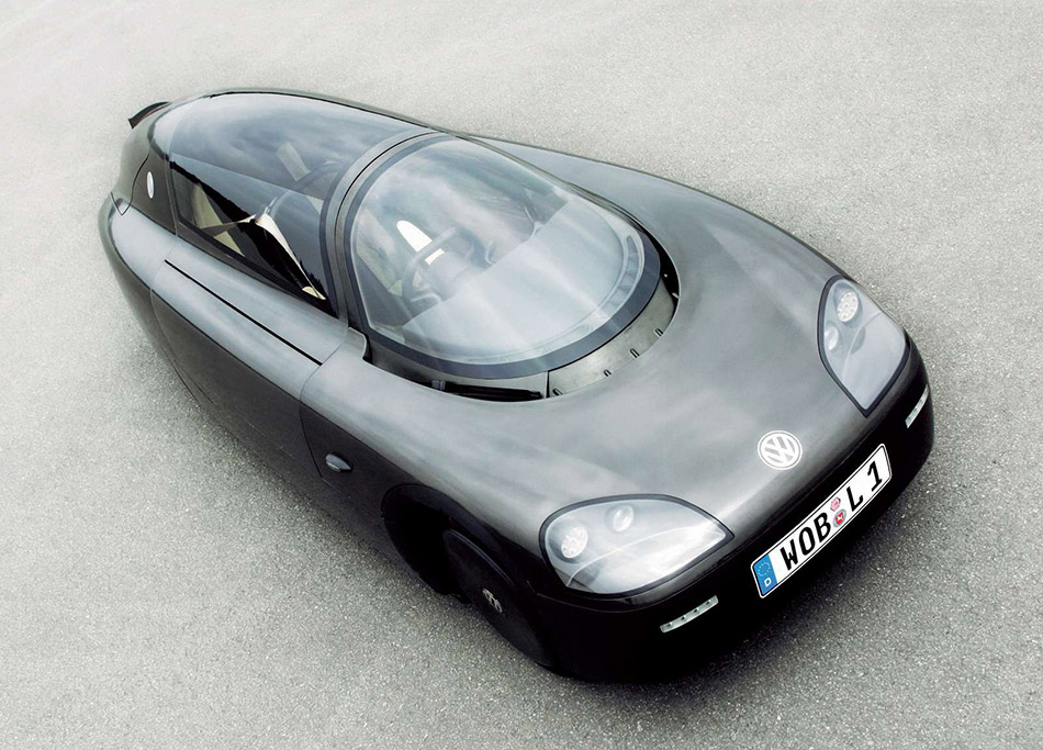 2003 Volkswagen 1-Litre Car Concept Front Angle