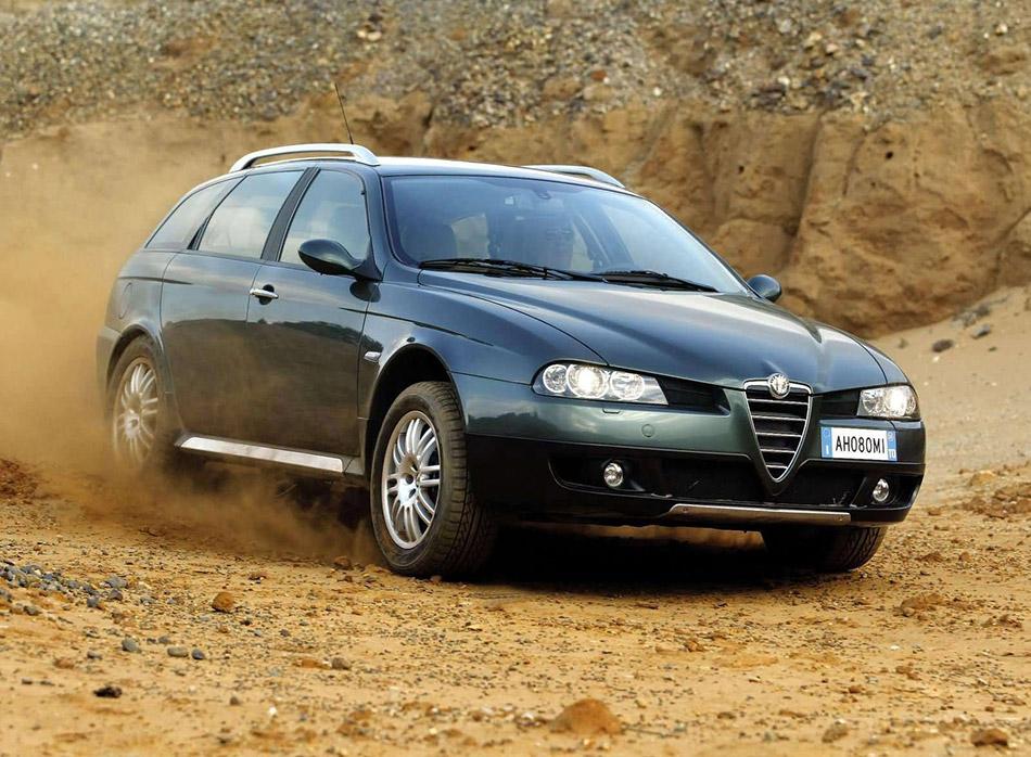 2004 Alfa Romeo Crosswagon Q4 Front Angle