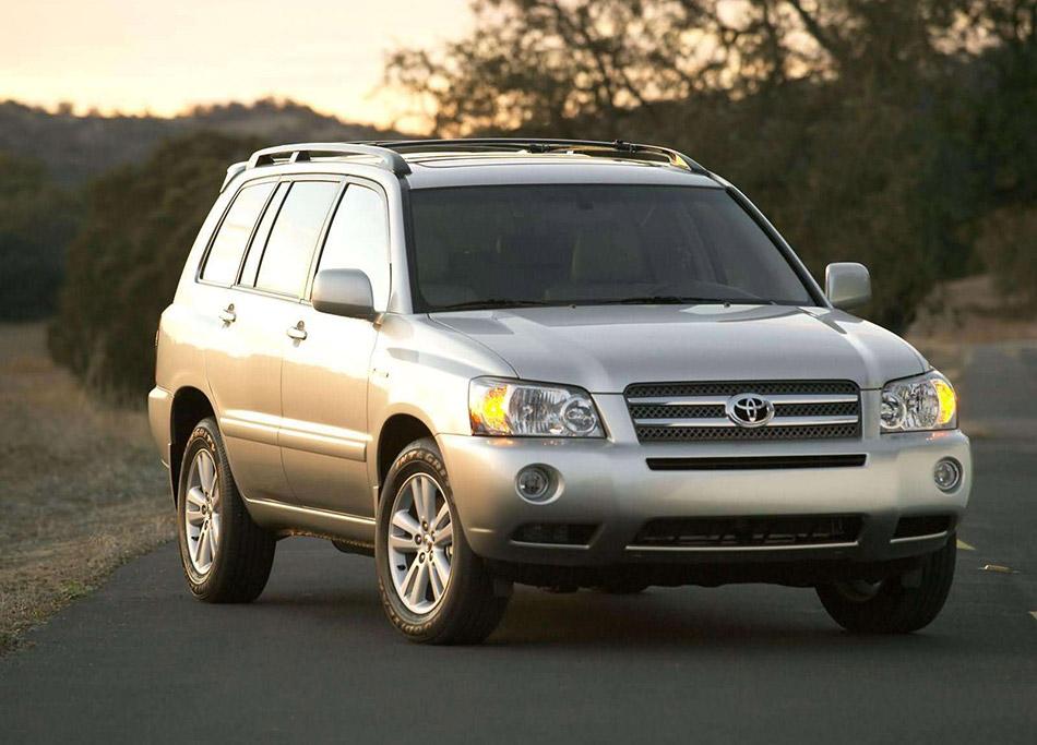 2005 Toyota Highlander Hybrid Front Angle