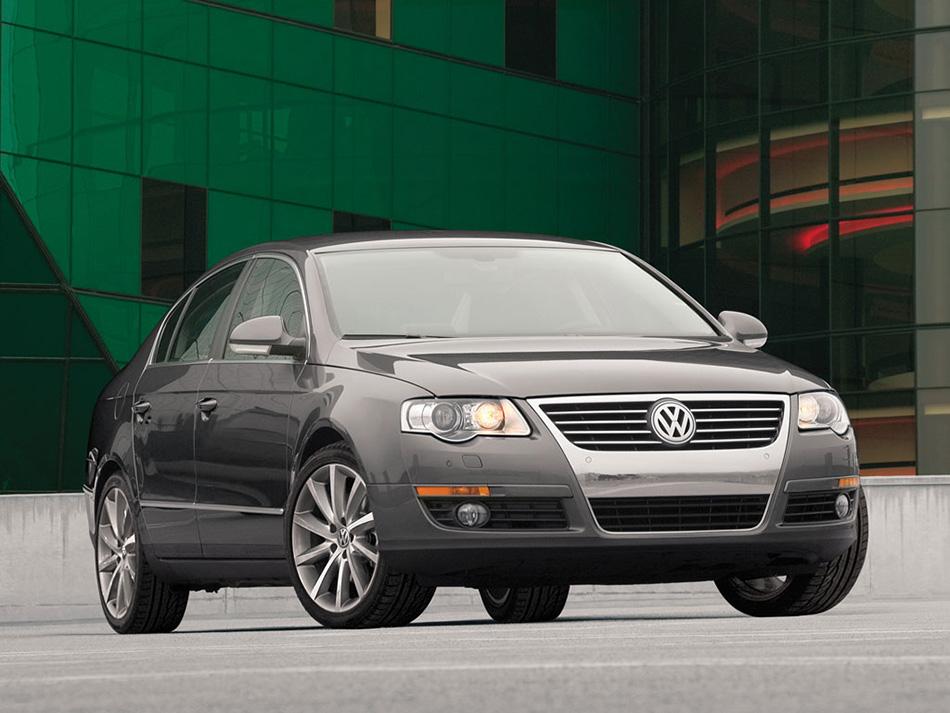 2005 VW Passat 3.6L Front Angle