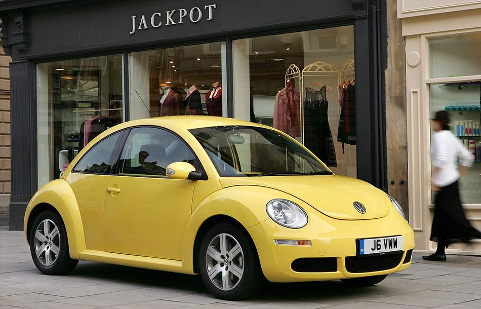 2005 Volkswagen Beetle Front Angle