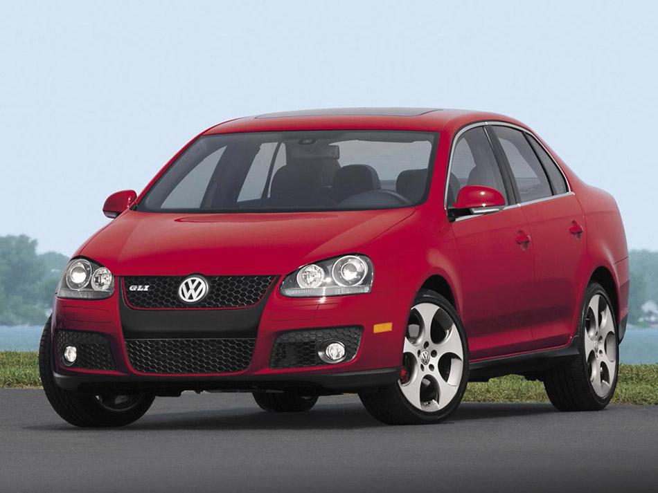 2005 Volkswagen Jetta GLI Front Angle