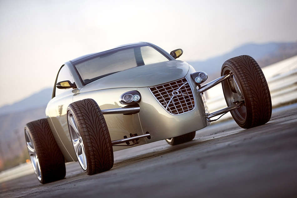 2005 Volvo T6 Roadster Concept Fornt Angle