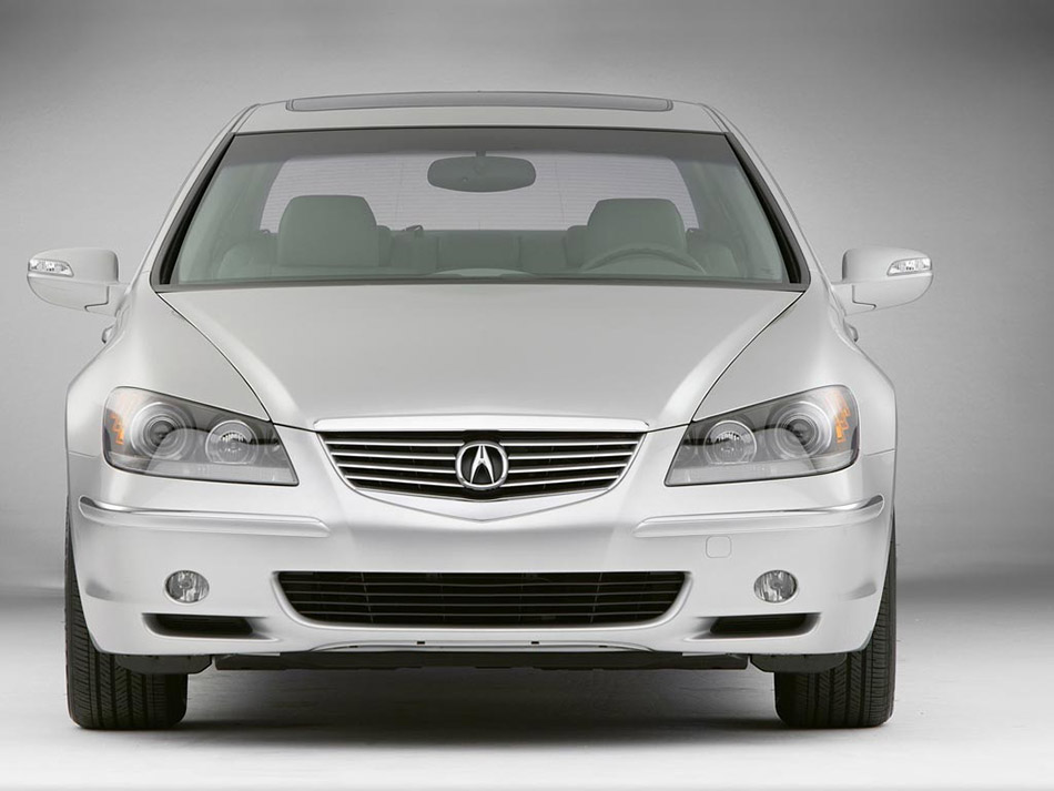 2006 Acura RL Front Angle