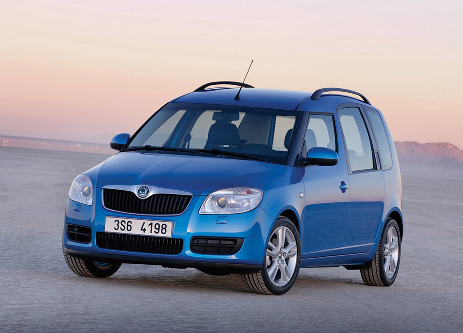 2006 Skoda Roomster Front Angle