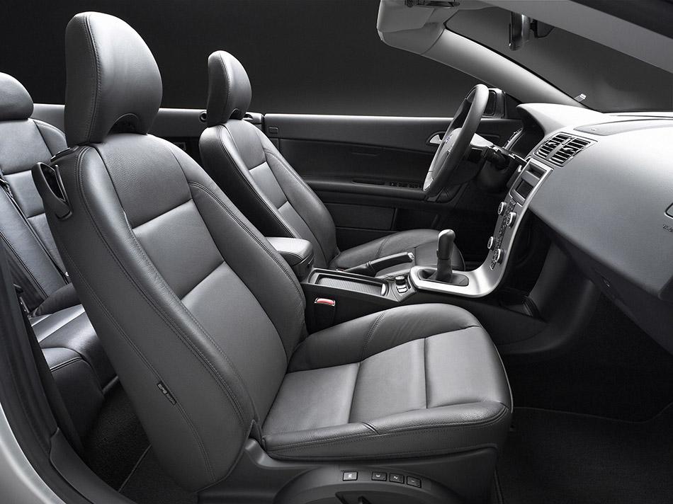 2006 Volvo C70 Interior