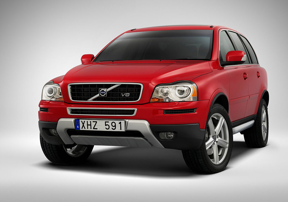 2006 Volvo XC90 Sport Front Angle