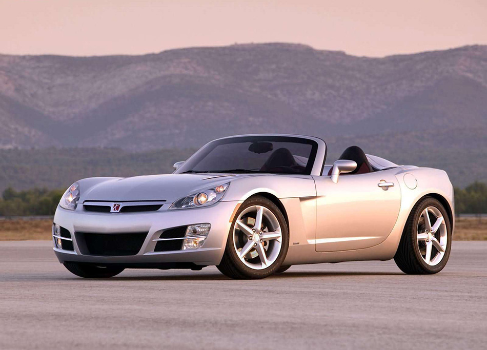 2007 Saturn Sky Front Angle