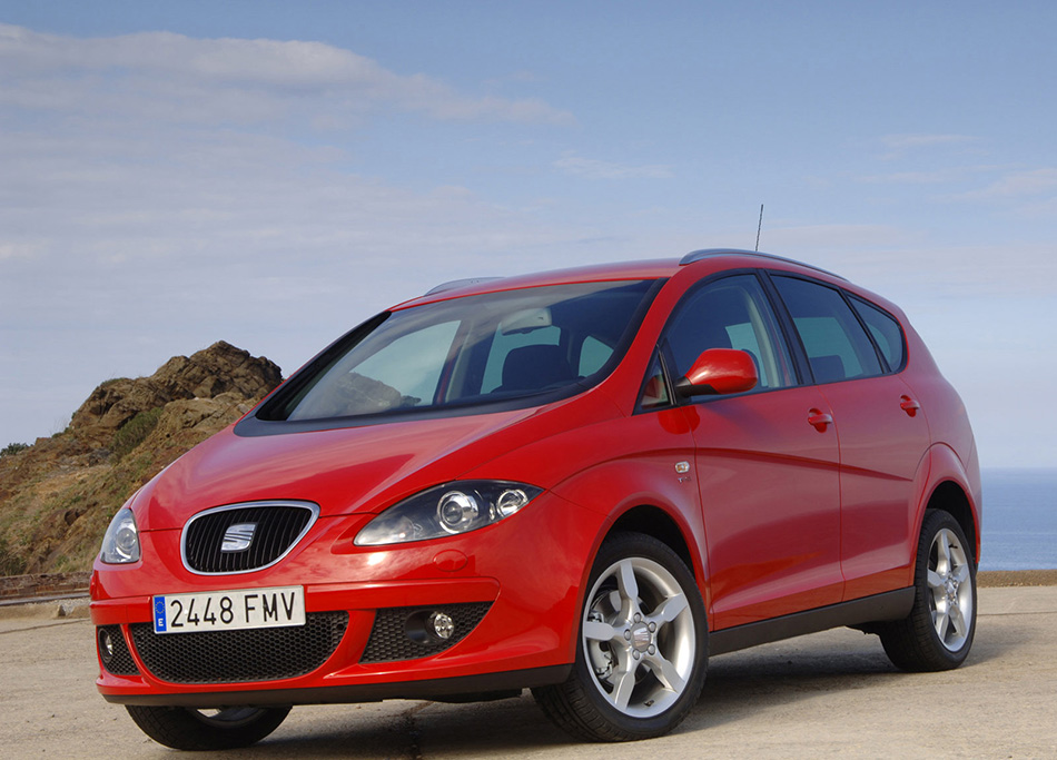 2007 Seat Altea XL Front Angle