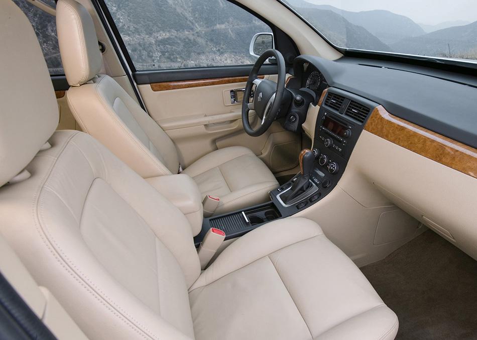 2007 Suzuki XL7 Interior