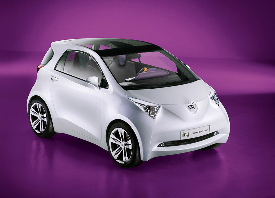 2007 Toyota iQ Concept Front Angle
