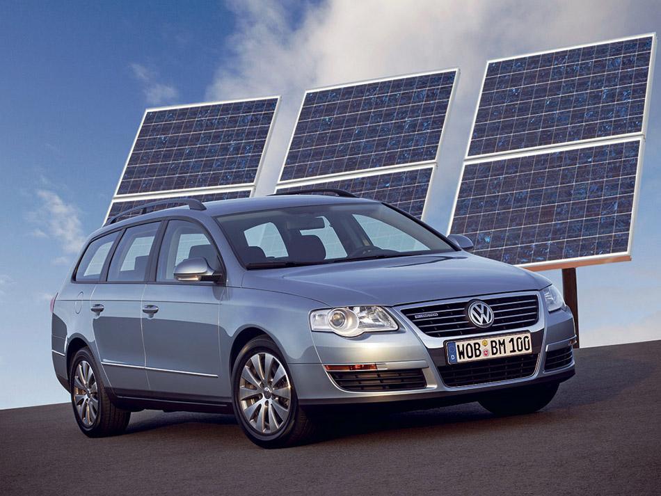 2007 Volkswagen Passat BlueMotion Front Angle