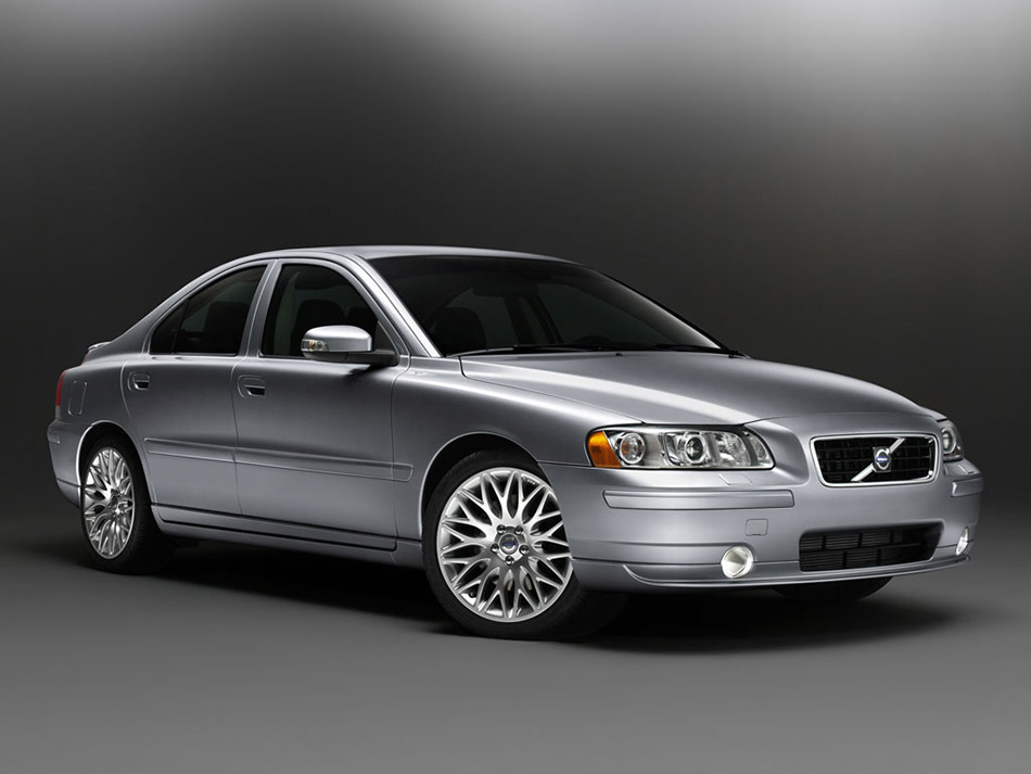 2007 Volvo S60 Front Angle