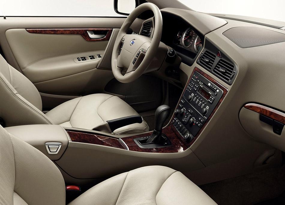 2007 Volvo V70 Interior
