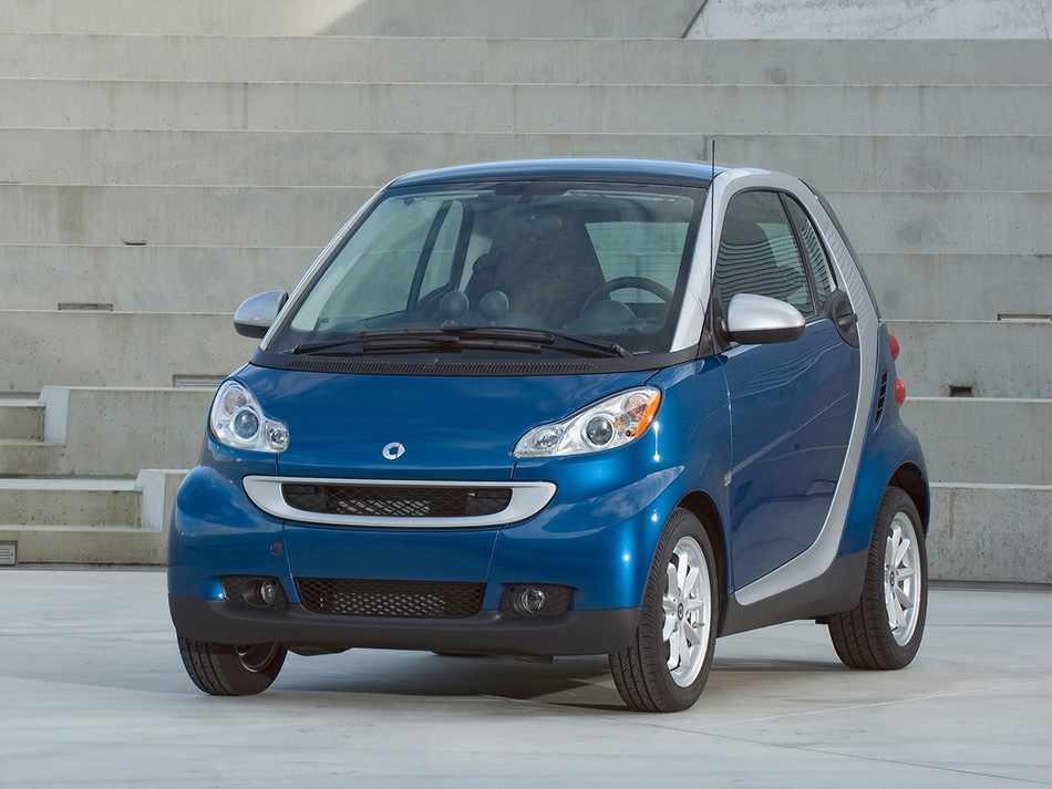 2008 Smart ForTwo Passion Coupe Front Angle