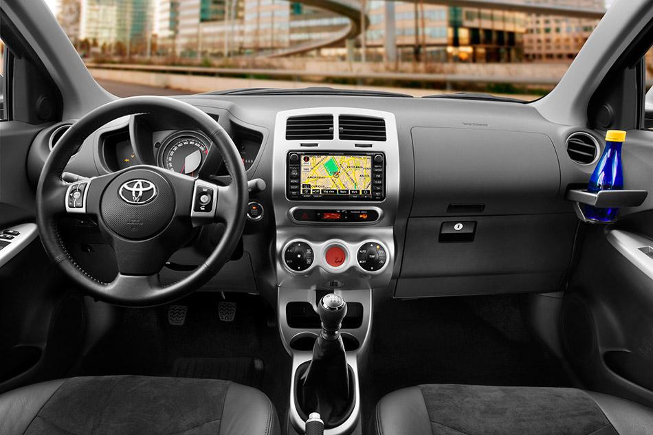 2009 Toyota Urban Cruiser Interior