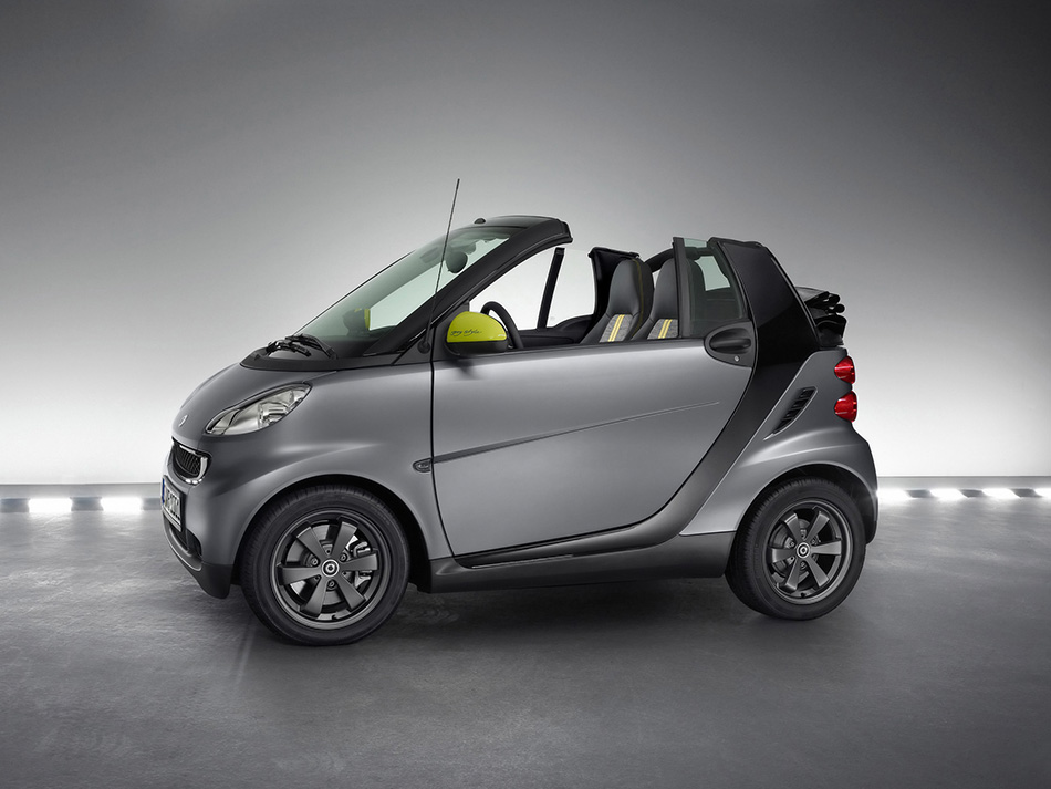 2010 Smart ForTwo Edition Greystyle Front Angle