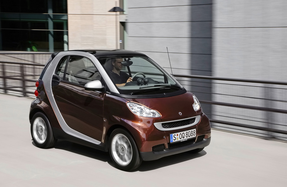 2010 Smart Fortwo Edition Highstyle Front Angle