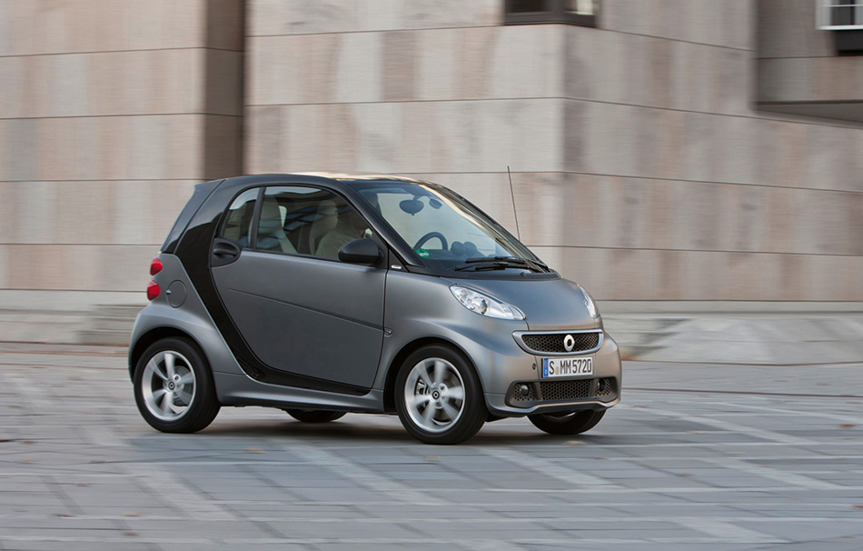2012 Smart ForTwo Front Angle