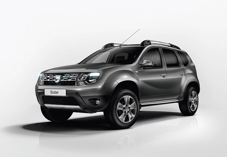 2014 Dacia Duster Front Angle