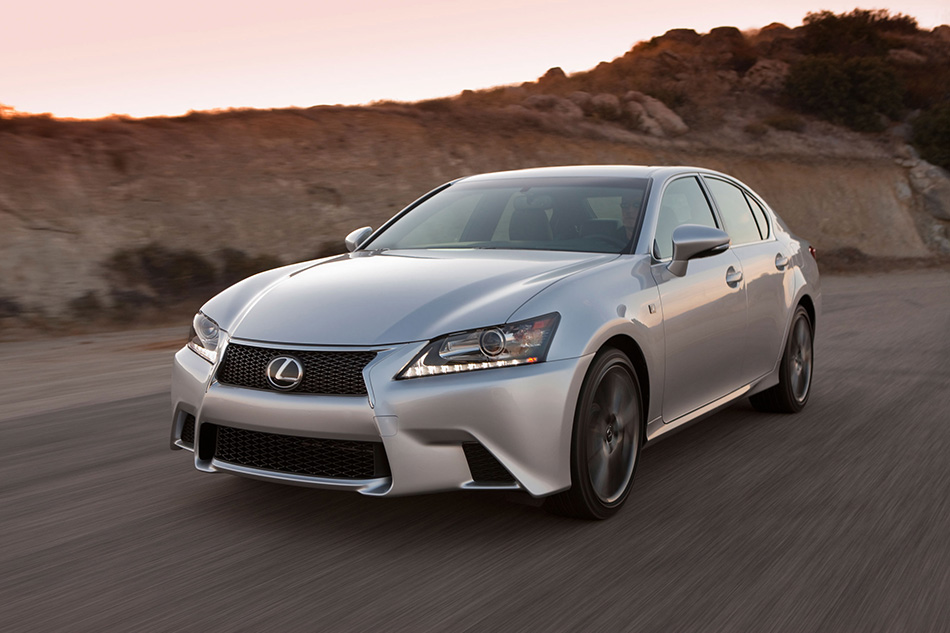 2014 Lexus GS 350 Front Angle