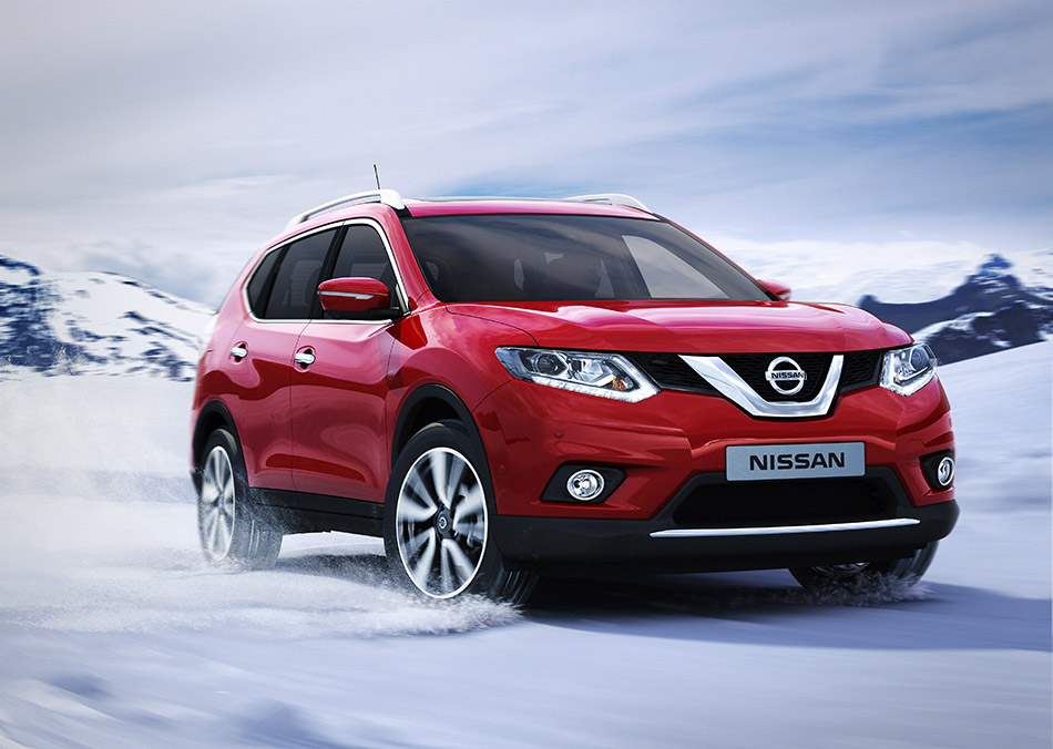 2014 Nissan X-Trail Front Angle