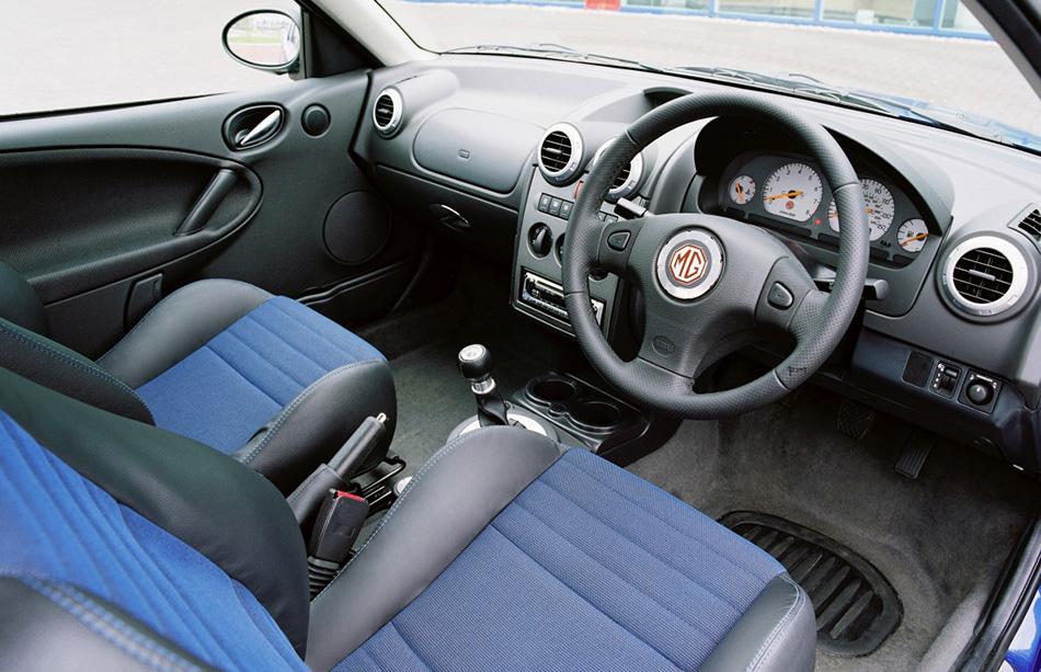 2004 Rover MG ZR Interior