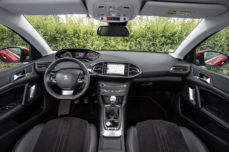 2014 Peugeot 308 Allure Interior